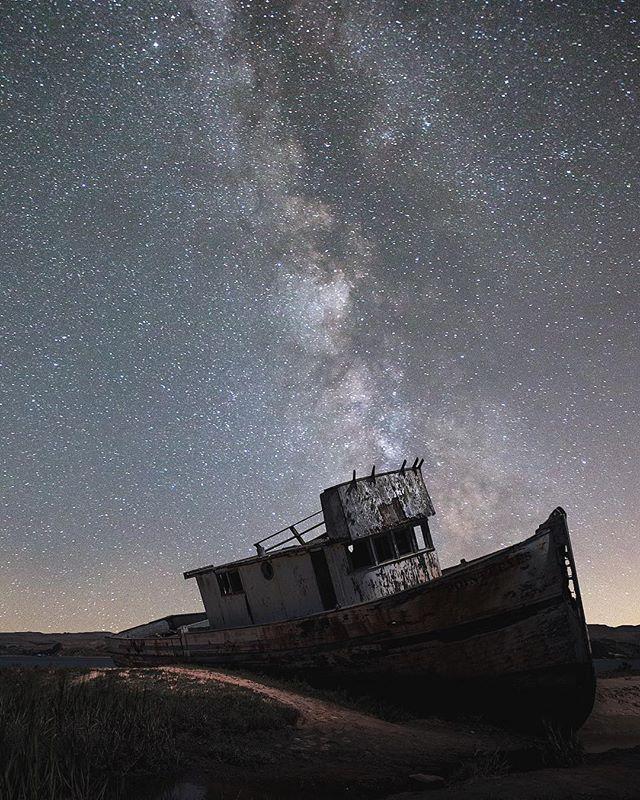 The Night Is Calling Us • • • • • • #aroundtheworldpix #awesome_globepix #bestvacations #discoverearth #fantastic_earth #earthofficial #earthfever #exploretocreate #hsdailyfeature #greatnorthcollective #roamtheplanet #naturegeography #passionpassport #places_wow #thegreatoutdoors #theglobewanderer #thecreative #travelingourplanet #tourtheplanet #wildlifeplanet #wildernessculture #uoonyou #vacationwolf #vscoaward #ig_masterpiece #instagood #igmasters #way2ill