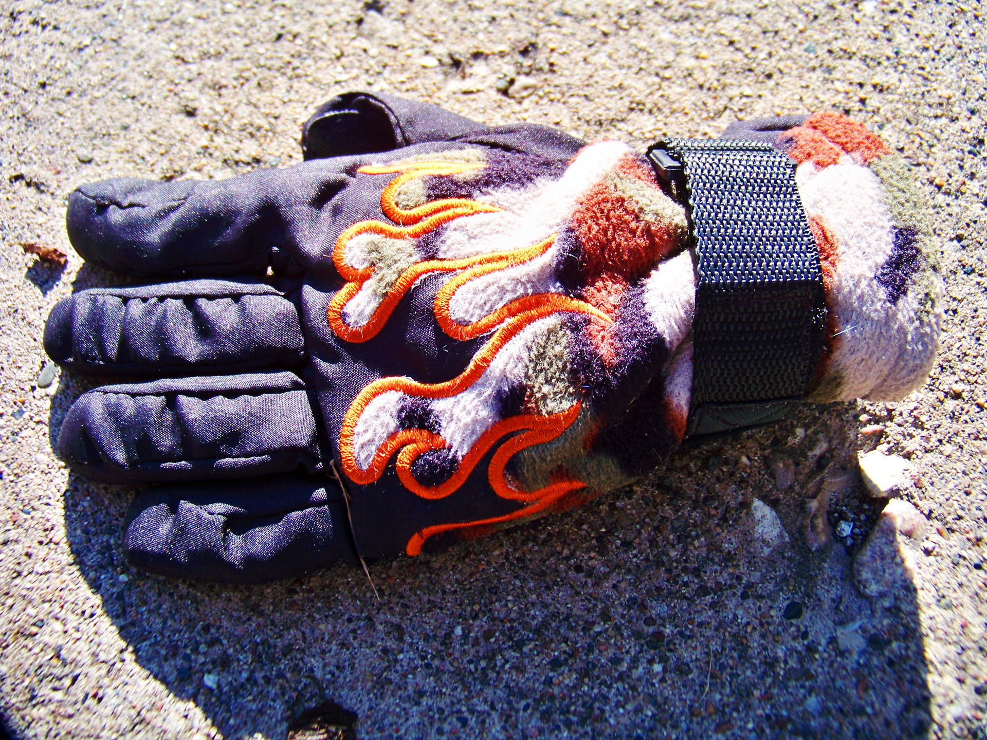 Glove flames 02.jpg