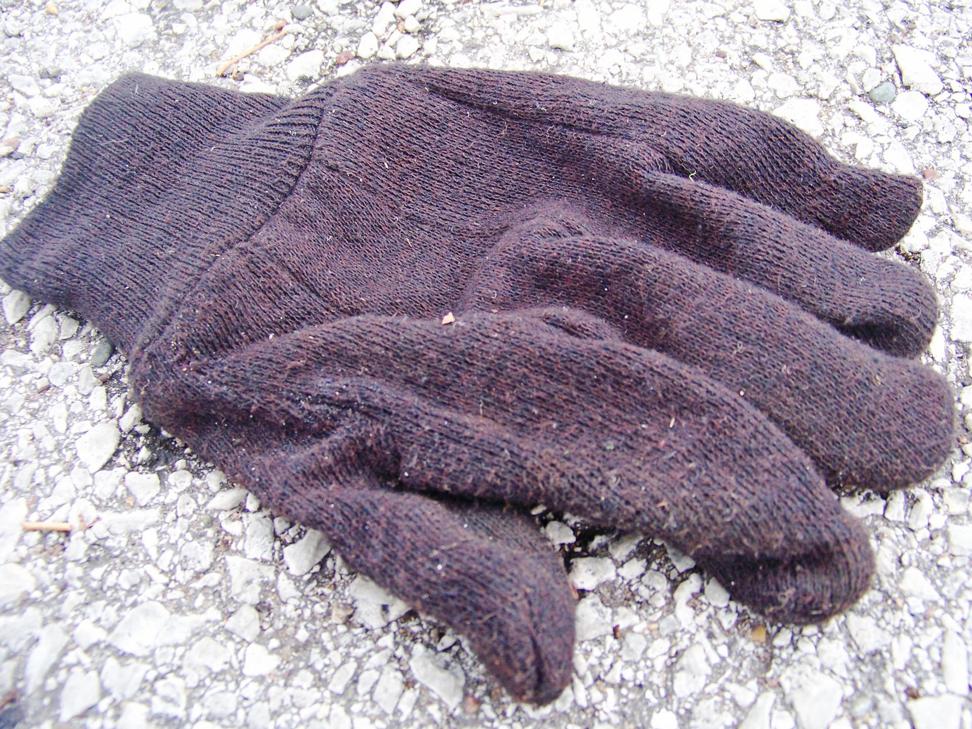 Glove worker.jpg