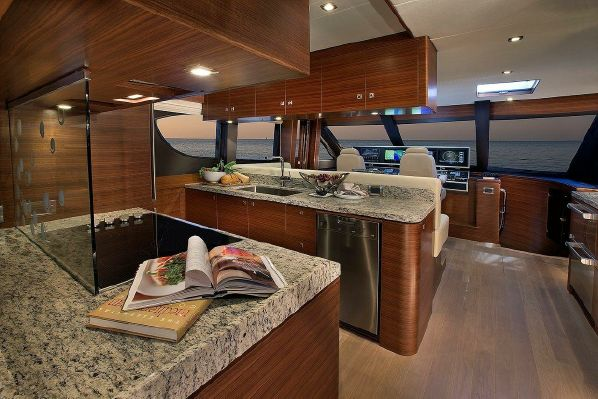 65' REGENCY PILOTHOUSE12.jpg