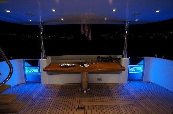 65' REGENCY PILOTHOUSE16.jpg