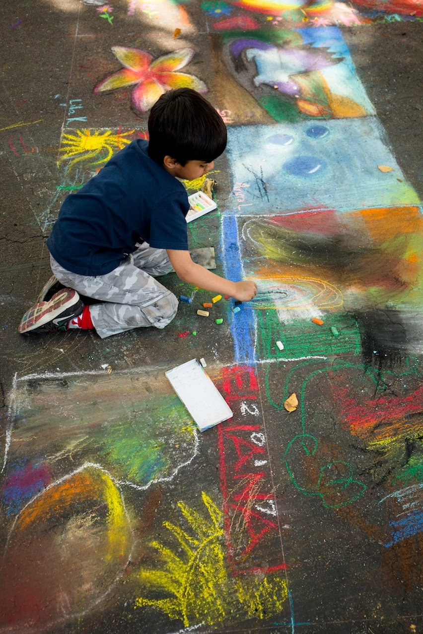 amy-632_69A4459_kids_squares_artist.jpg