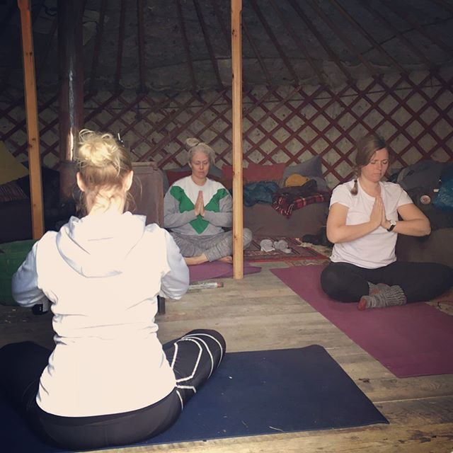 First time teaching yoga in a yurt 😊 Thanks guys it was great! ✨#traustholtshólmi #icelandyoga #hbyogarvk