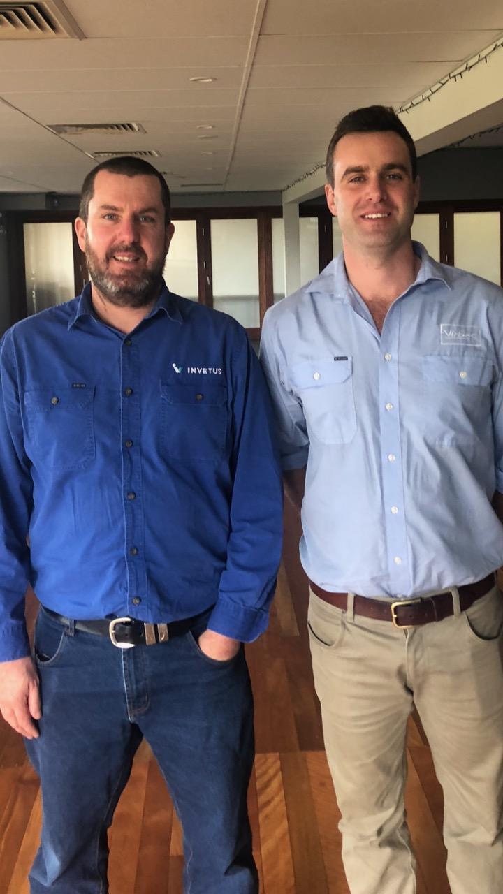 Dr Tim Elliott of Invetus (left) with William Hiscox from Virbac
