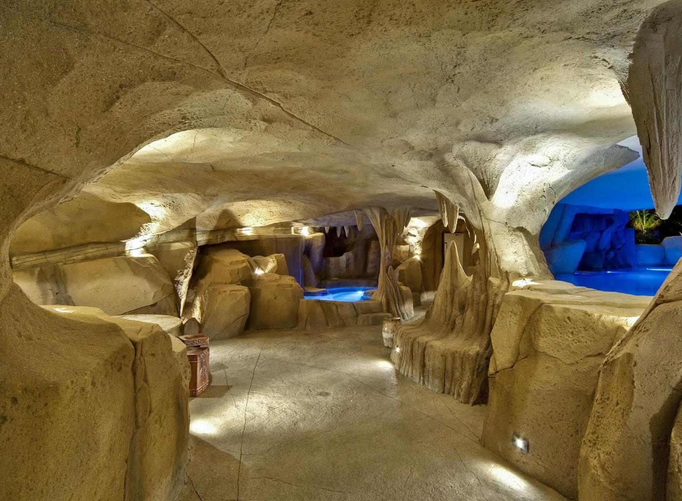 Artificial rock grotto