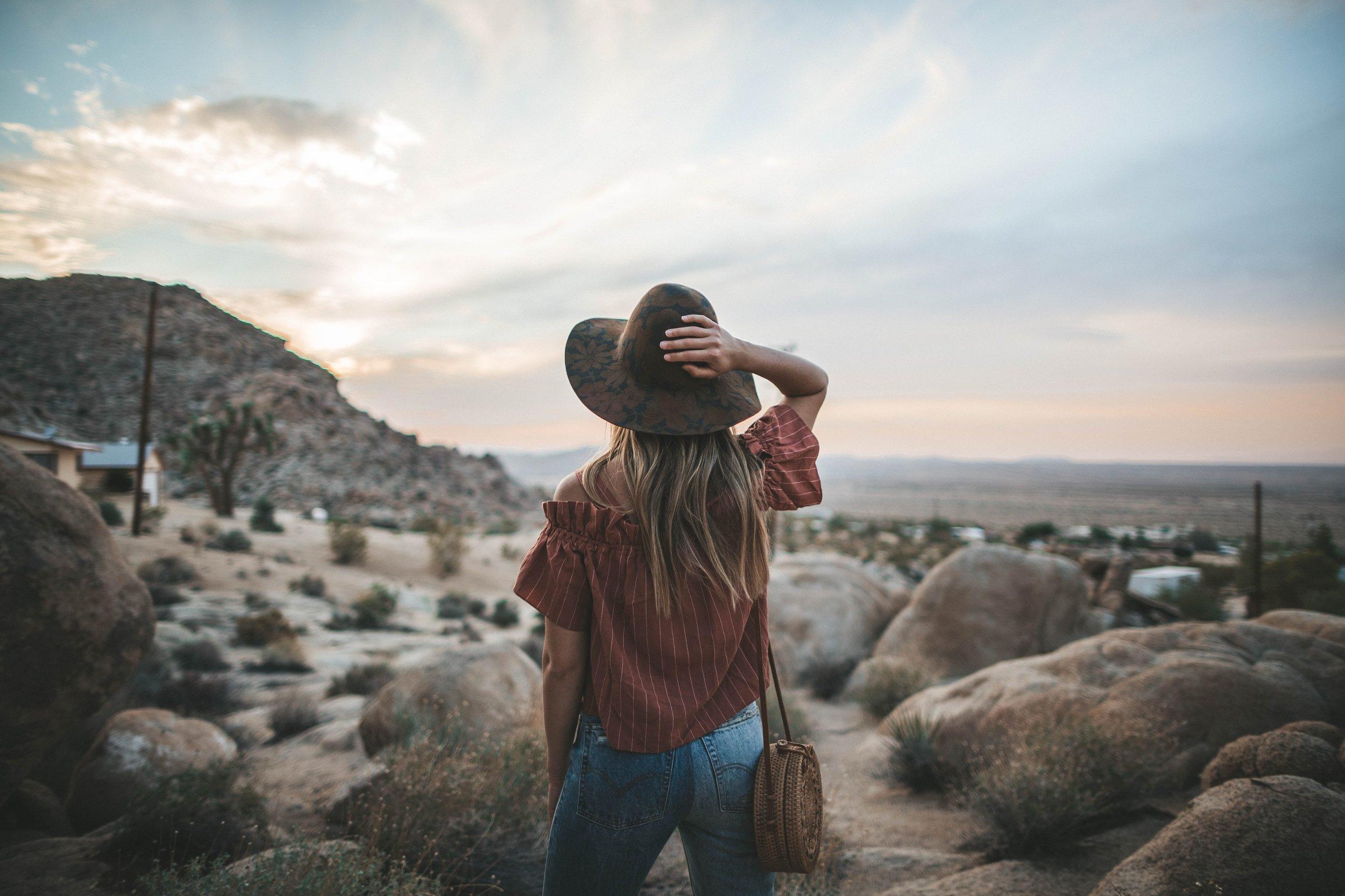 EXAMPLE: - #sunset #desert #denim #sunhat #denimlook #levis #urbandoutfitters #nordstrom #offtheshoulder #arizona #bucketbag #blondehair