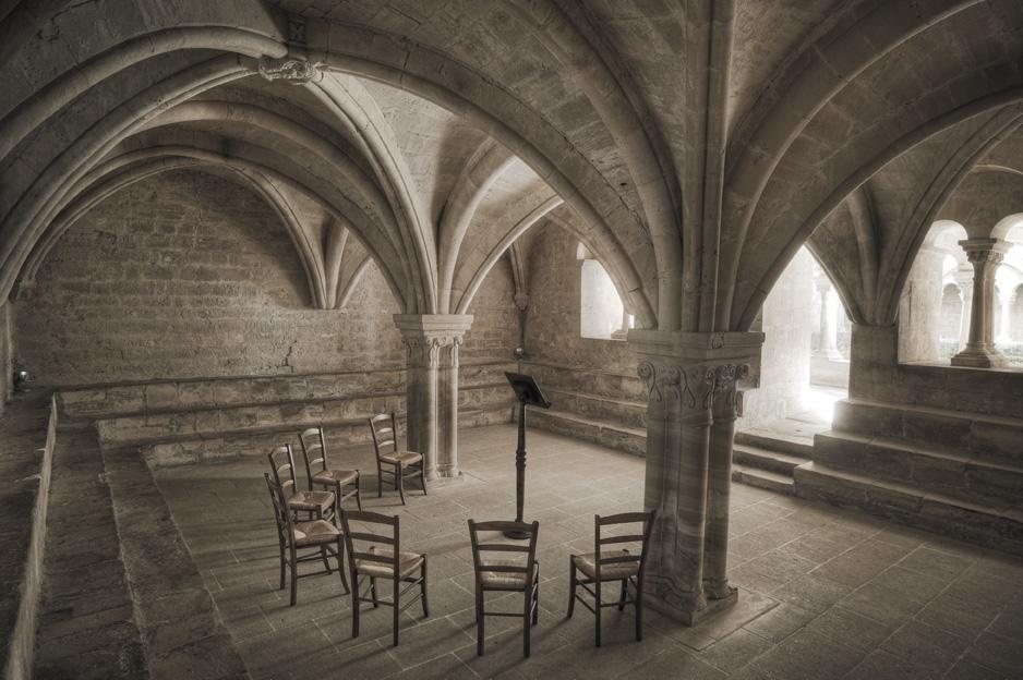 Salle du chapitre at l'abbaye de Sénanque, where we sat and discussed the monastic life. Image from the website of l'abbaye de Sénanque.
