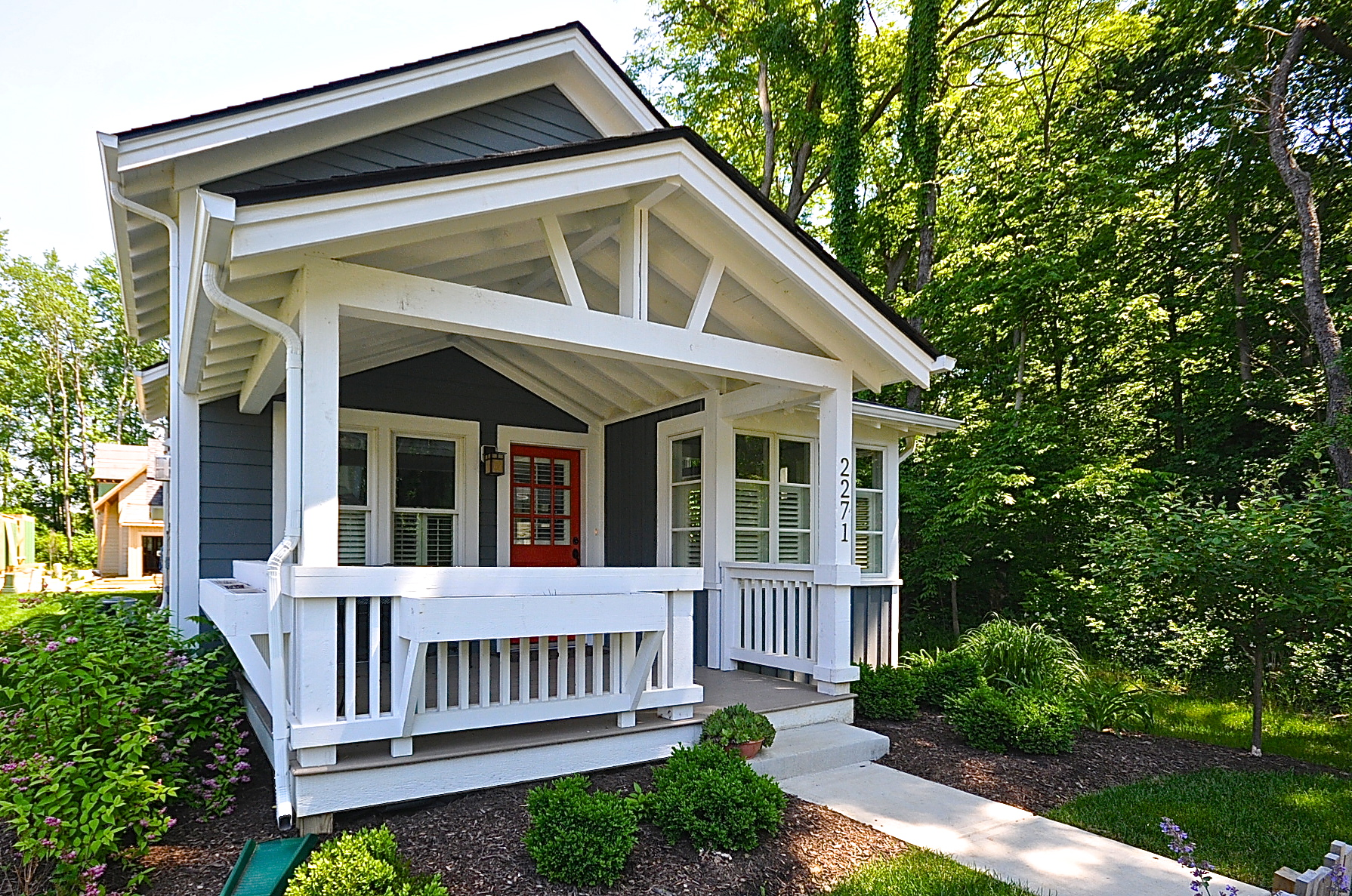 4.  Wooded Cottage Homesites : Homesites #20, 30, and 31 are the only remaining spots along the southern woods. Here nature is at your windows, your door, and your porch. Explore a walkout basement, wraparound porch, or patio. Just another way to bring the outdoors in and extend your living space out.