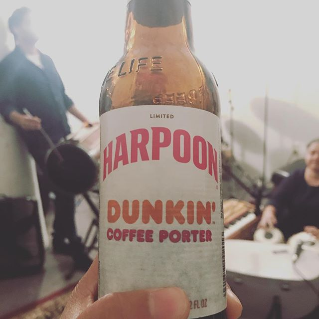 Possibly the most #Boston beer evah, courtesy of Jag Singh #awaazdo #americarunsondunkin #awaazdorunsondunkin #beer #coffeeporter #rockandroll