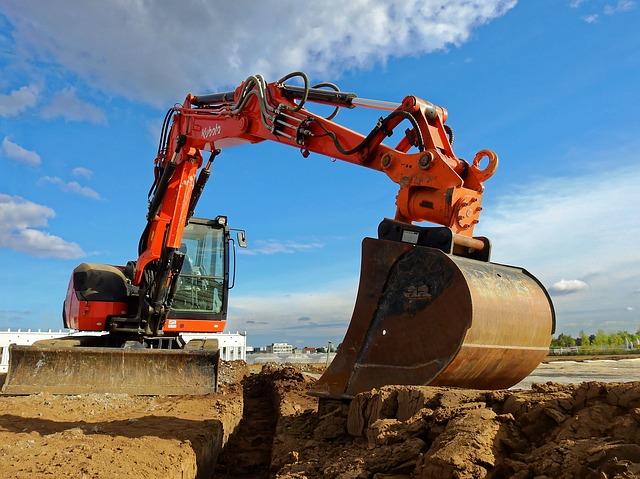 excavators-1680634_640.jpg