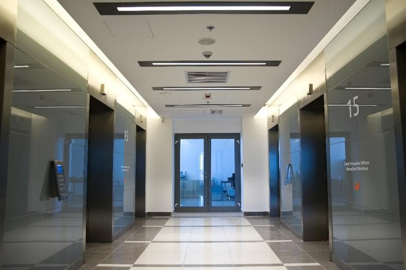 Fit-out Viavacom lift lobby-min.jpg