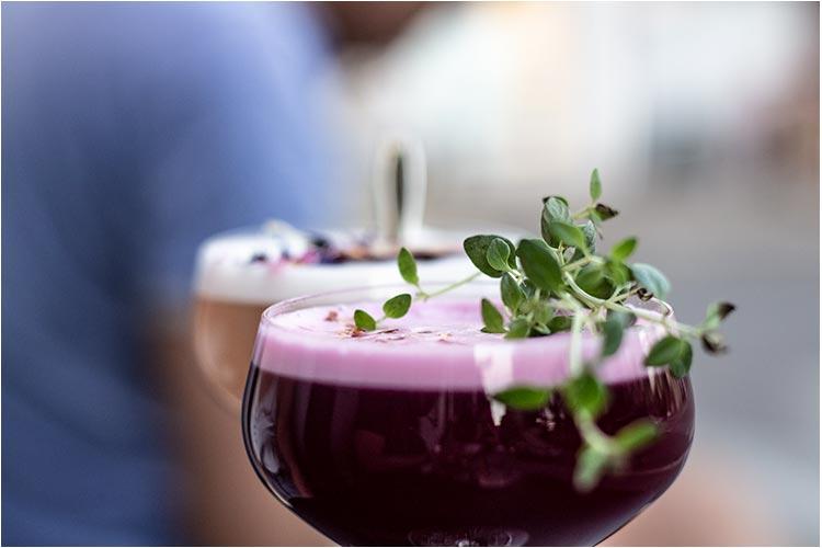 Lær å lage nye cocktails på Nedre Løkkas cocktailkurs.