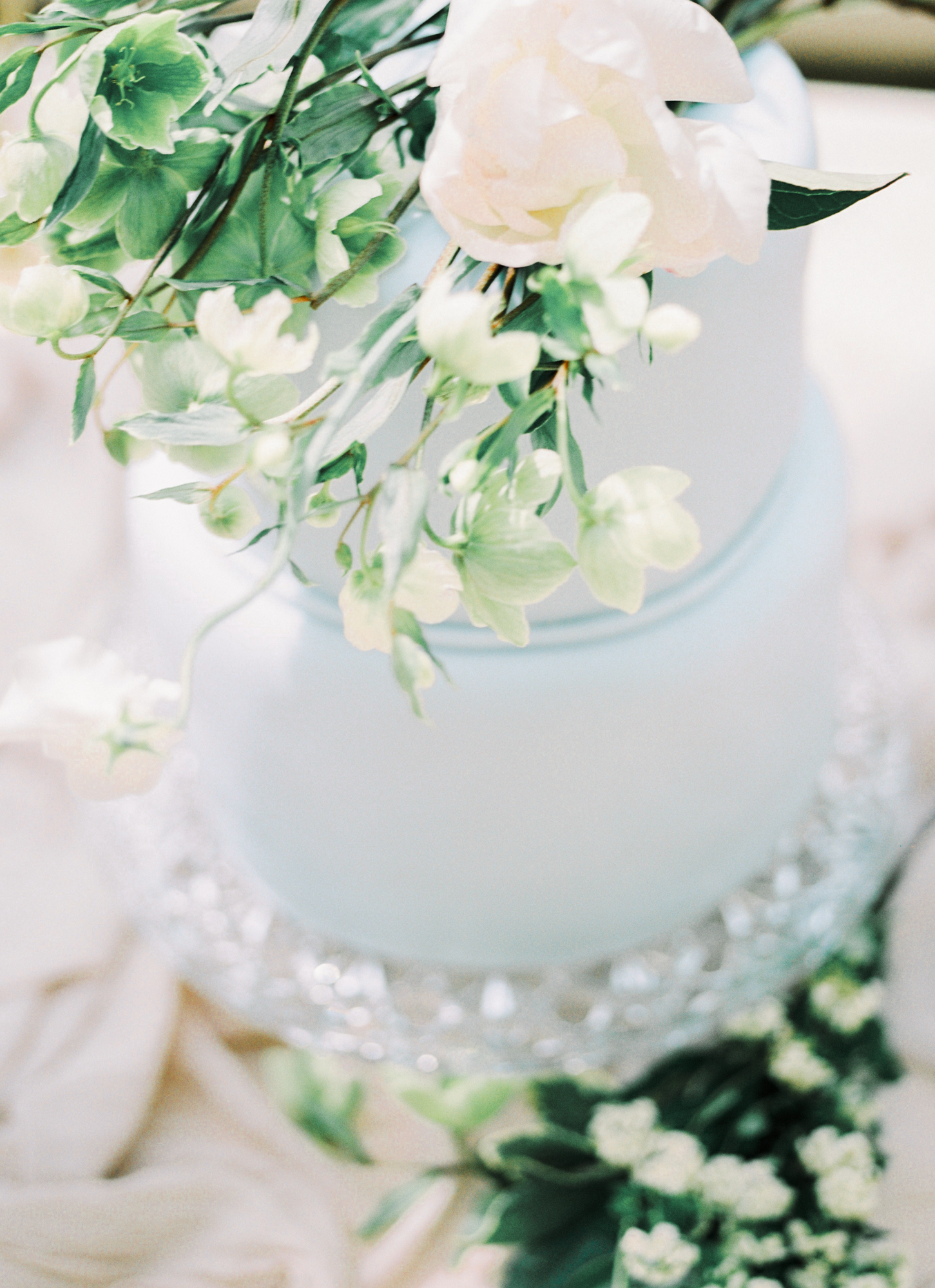 Luxury Wedding Planner - Experts Guide - Wedding Cakes - Image 2 - Pastle Blue White Flowers Romantic Wedding.JPG