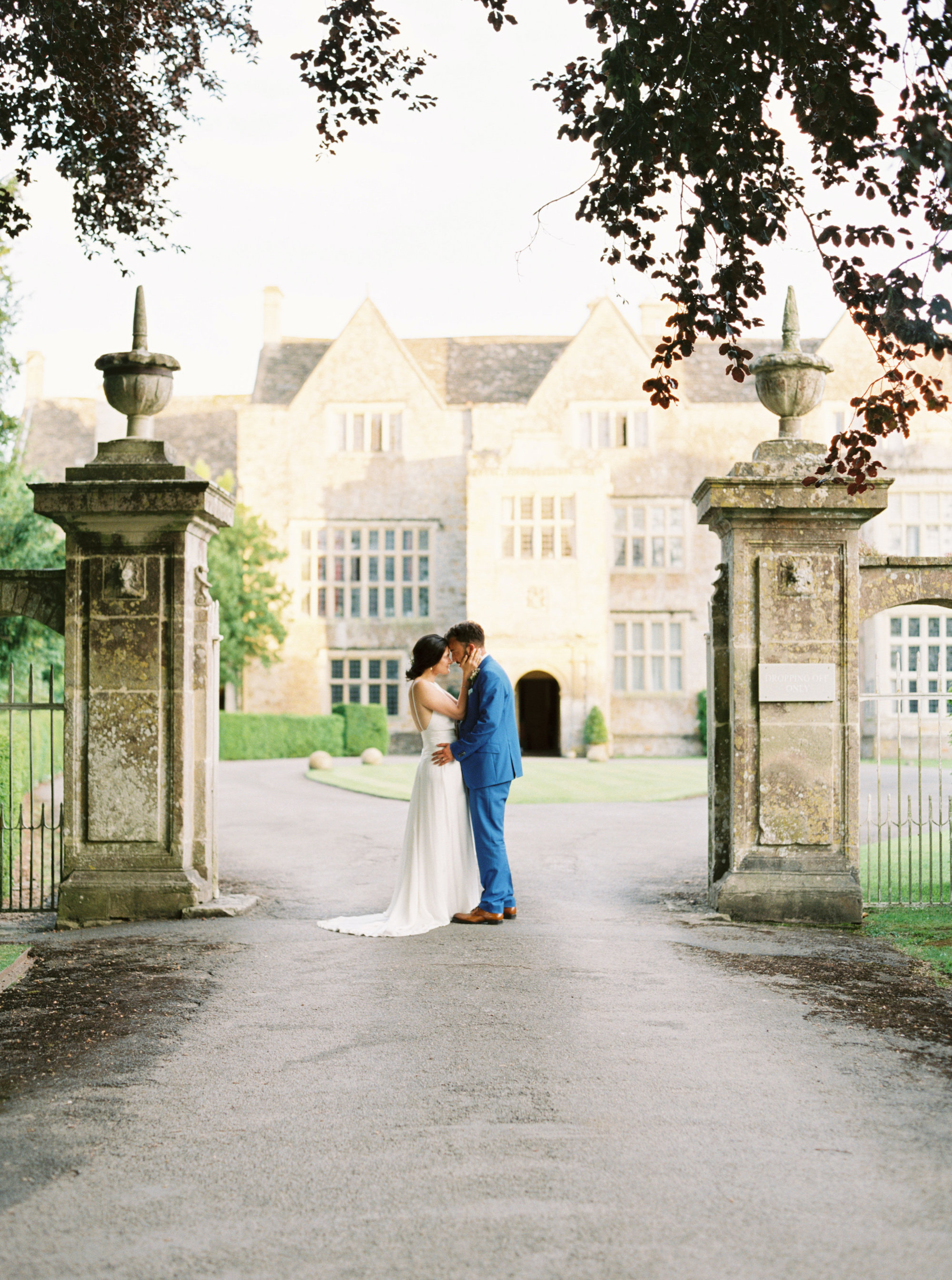 Luxury Wedding Planner UK | Jennifer & Timothy's English Country Manor Wedding | Soft Pink Pale Blue White and Silver Toned Green Neutral Tones American Bride North Cadbury Court | Nicole Colwell Photography  0075.jpg