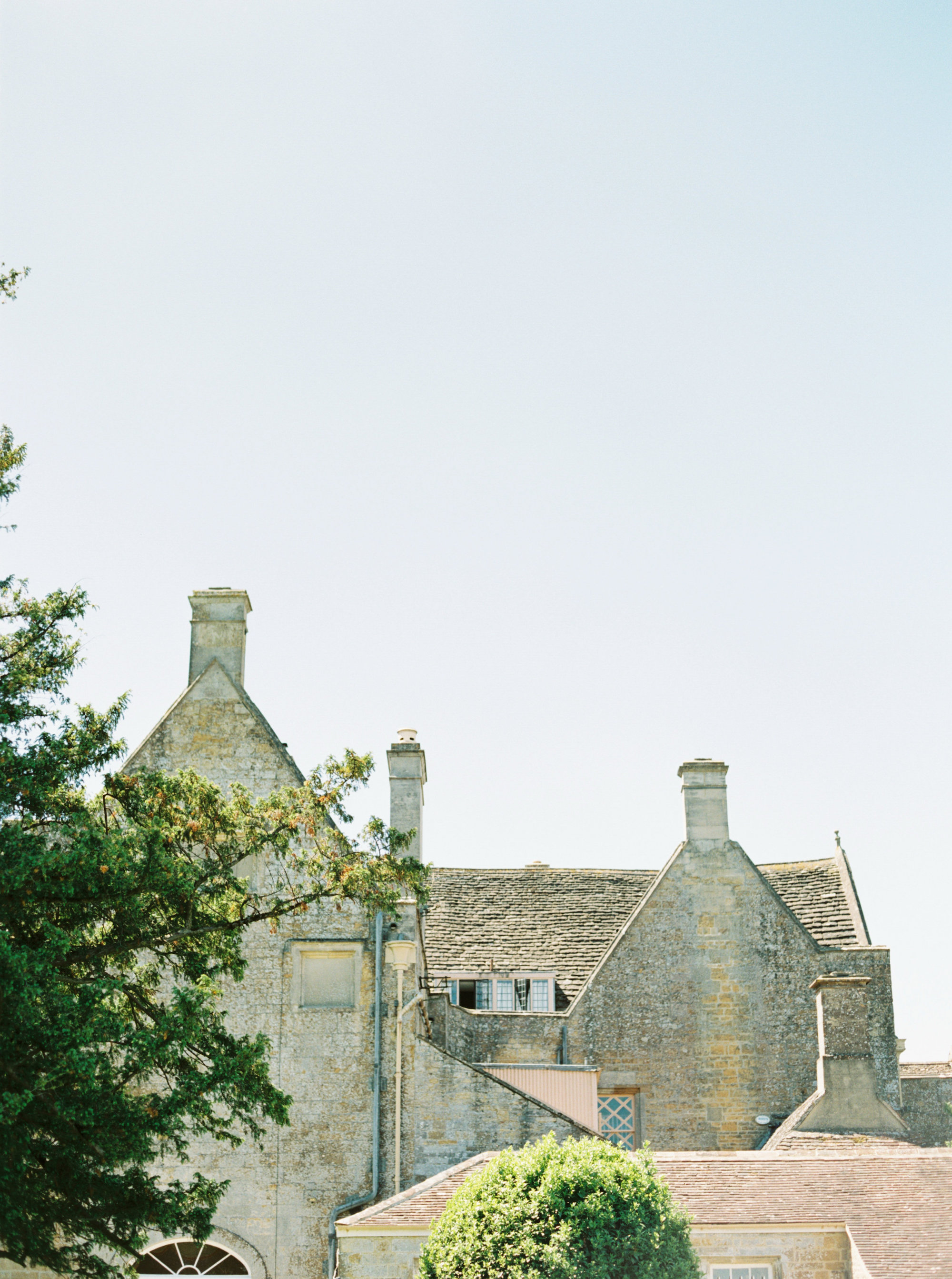 Luxury Wedding Planner UK | Jennifer & Timothy's English Country Manor Wedding | Soft Pink Pale Blue White and Silver Toned Green Neutral Tones American Bride North Cadbury Court | Nicole Colwell Photography 0560.jpg