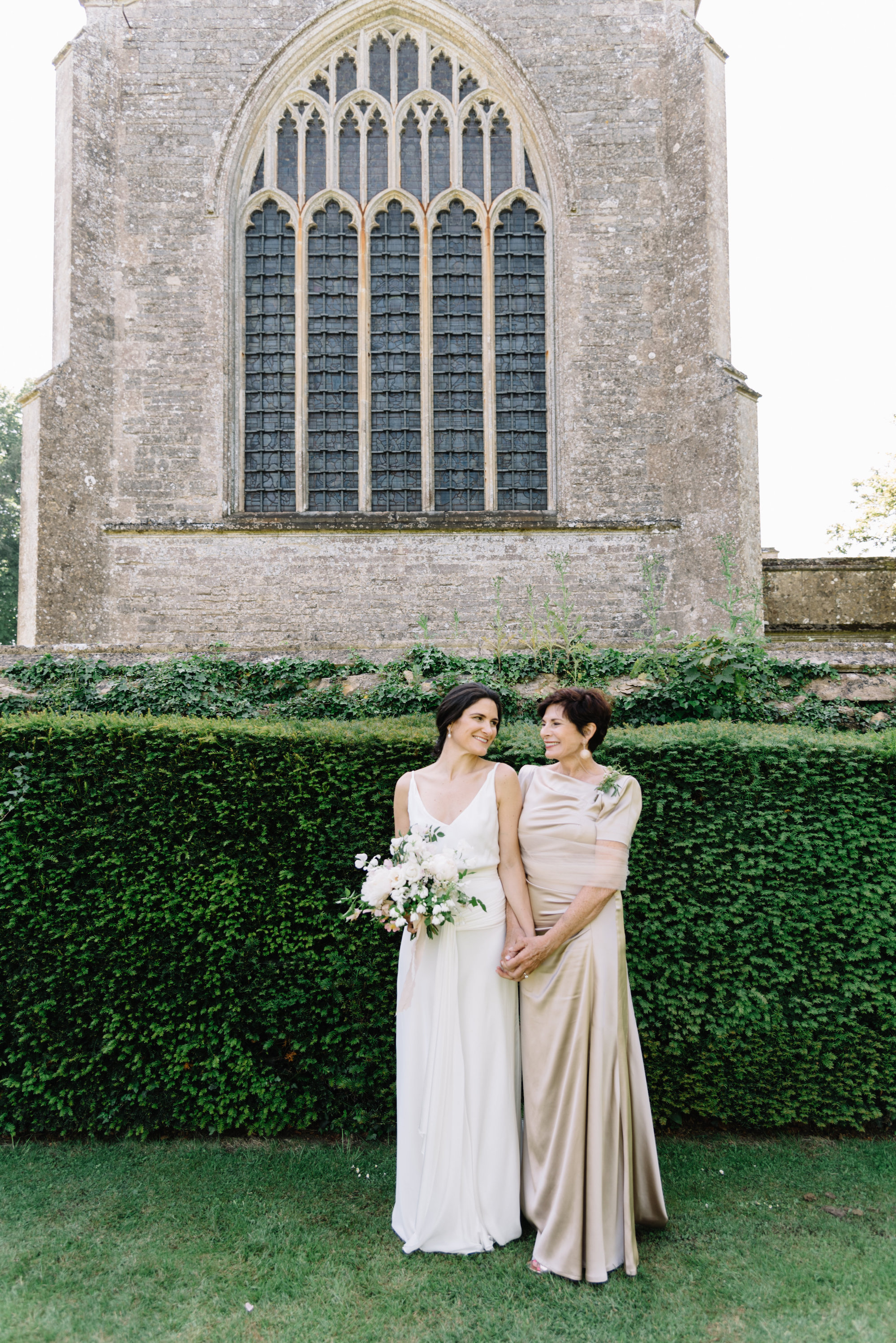 Luxury Wedding Planner UK | Jennifer & Timothy's English Country Manor Wedding | Soft Pink Pale Blue White and Silver Toned Green Neutral Tones American Bride North Cadbury Court | Nicole Colwell Photography 0651.jpg