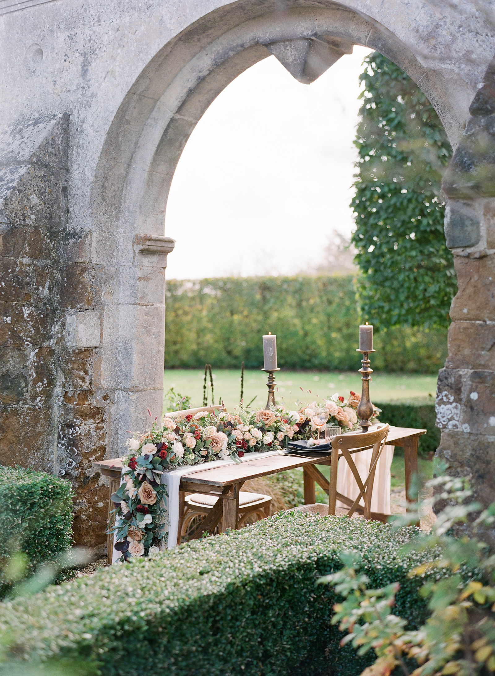 Luxury Wedding Planner UK, London & Europe | A Feminine & Refined Autumn Wedding Inspiration | English Manor Country Autumn Wedding Moody Romantic Warm Velvet Black Red and Peach Tones | Molly Carr Photography88.JPG