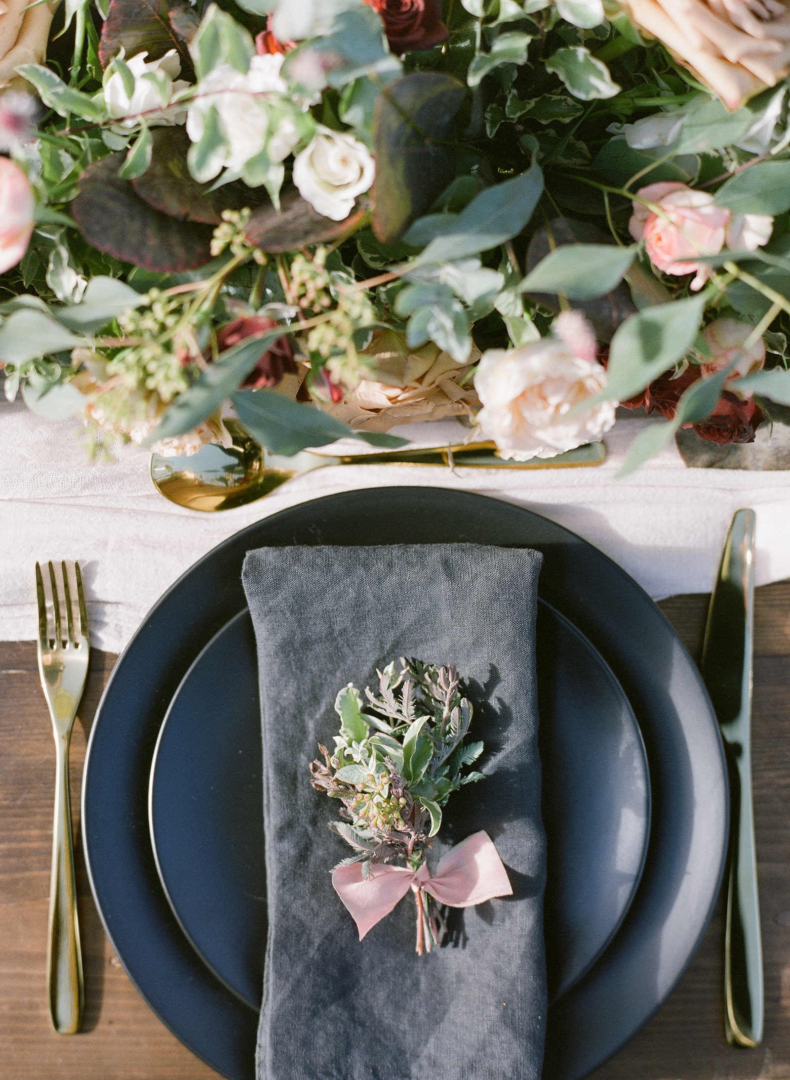 Lily & Sage | Feminine & Refined Autumn Wedding Inspiration with a Hint of Moodiness | Molly Carr Photography