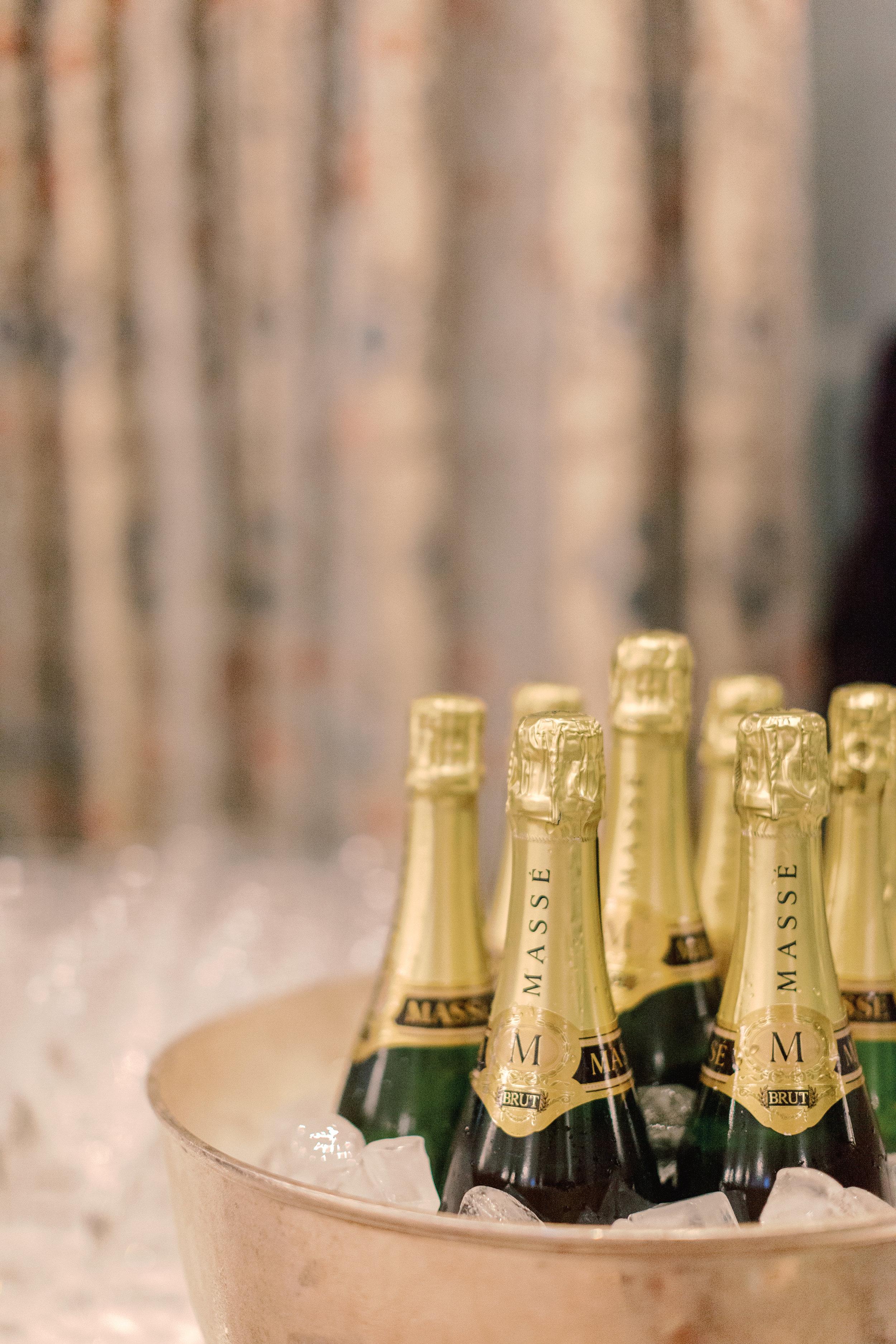 Luxury Wedding Planner | Lily & Sage | Cotswolds Wedding Planner | English Wedding | Experts+Guide+-+Wedding+Wine+Image.jpg