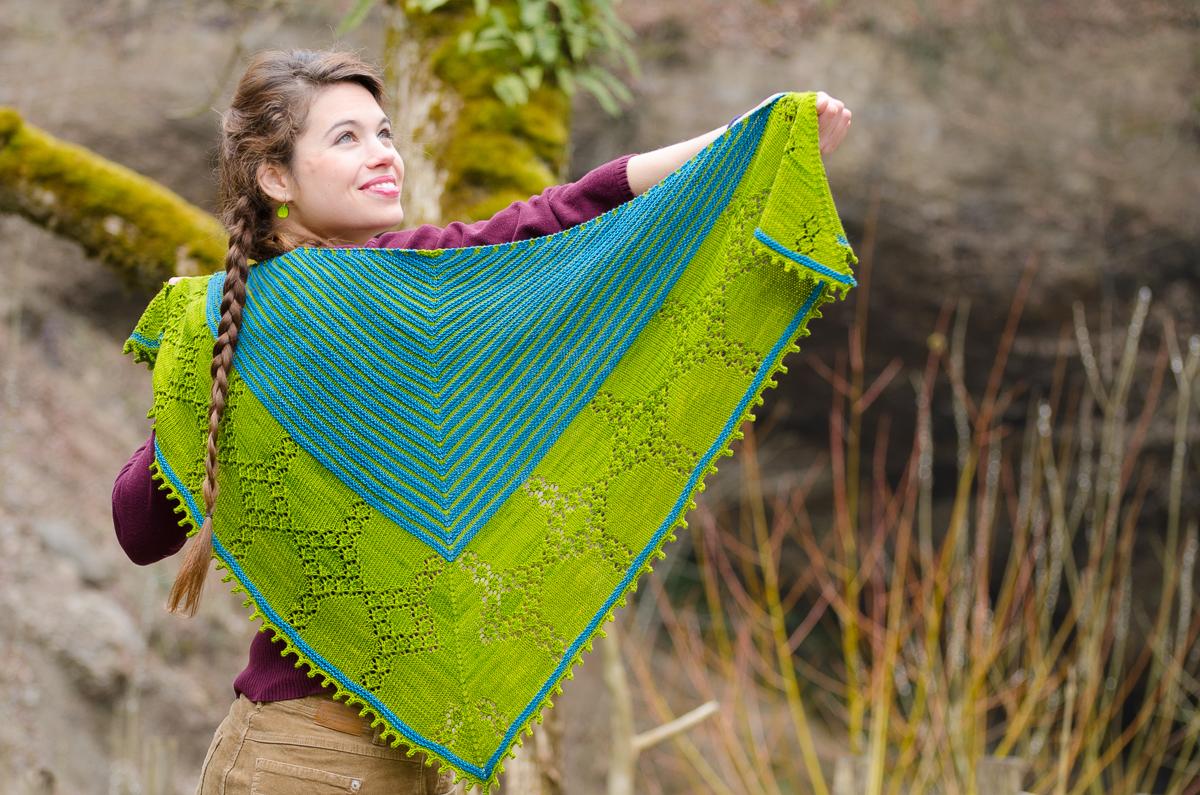 Autumn knitting patterns - Achat Shawl