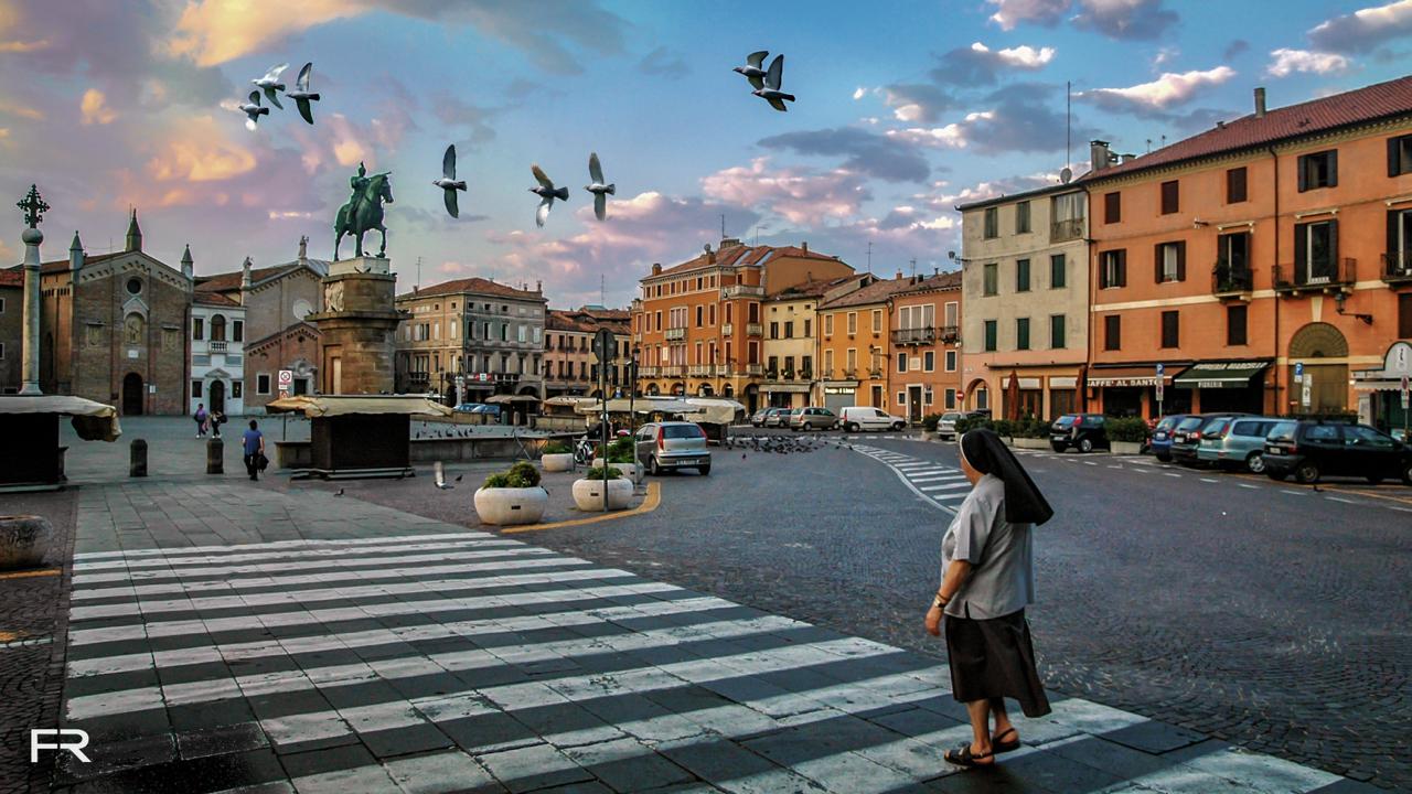 Padua Piazza Nun-Edit-2-Edit.jpg