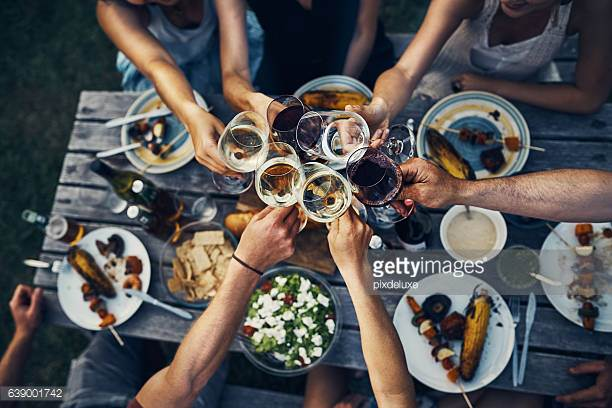 In het weekend durven we al eens veel alcohol te drinken en vettig te eten.