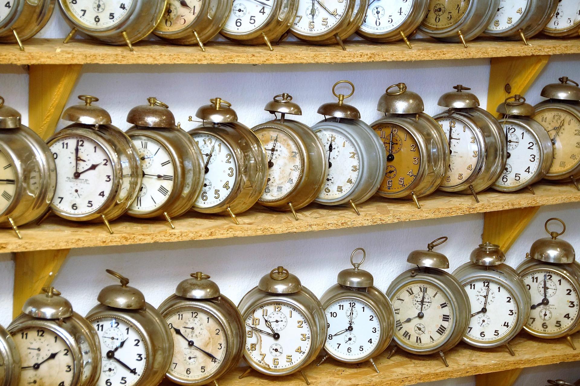 alarm-clock-1647866_1920.jpg