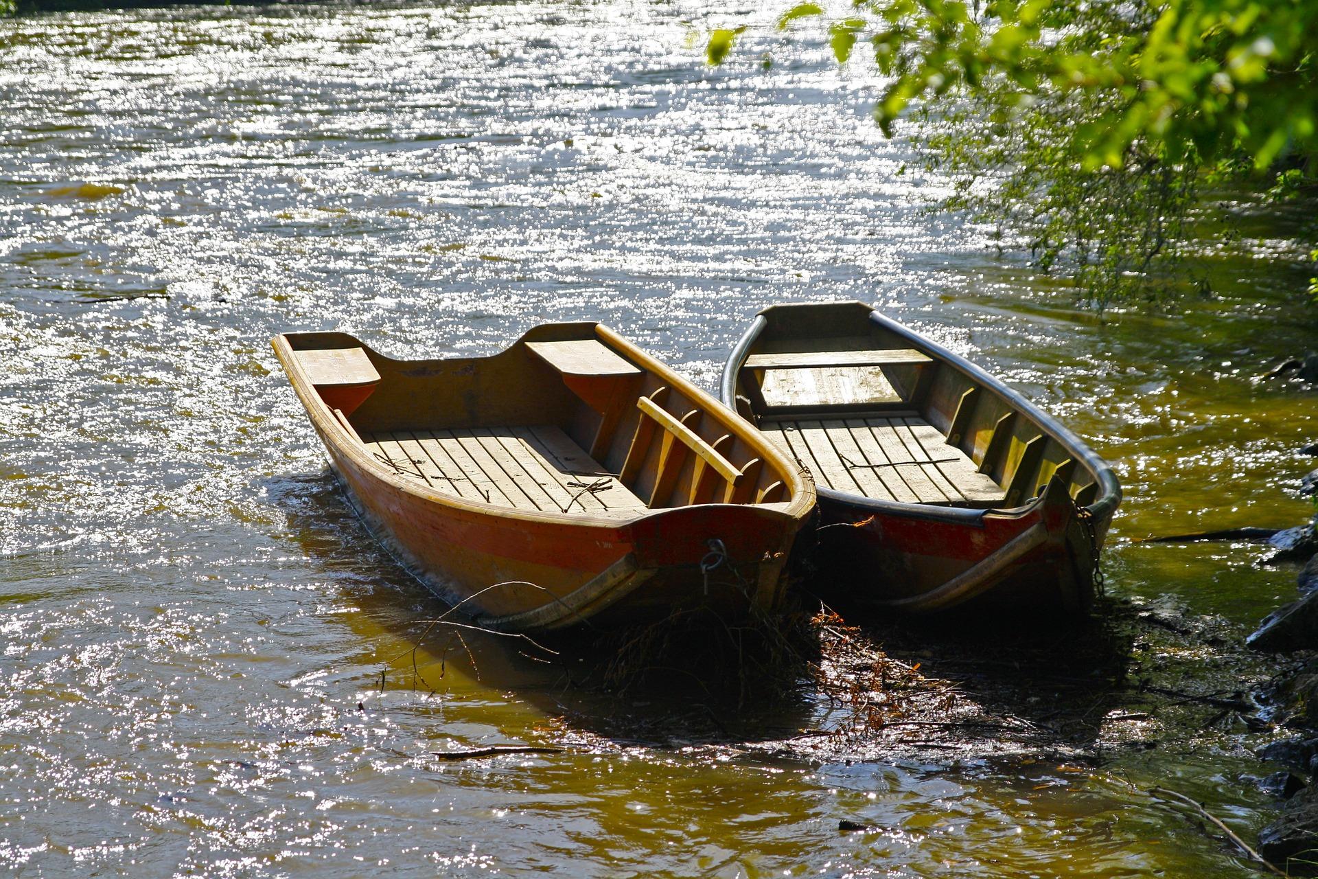 boat-1497226_1920.jpg