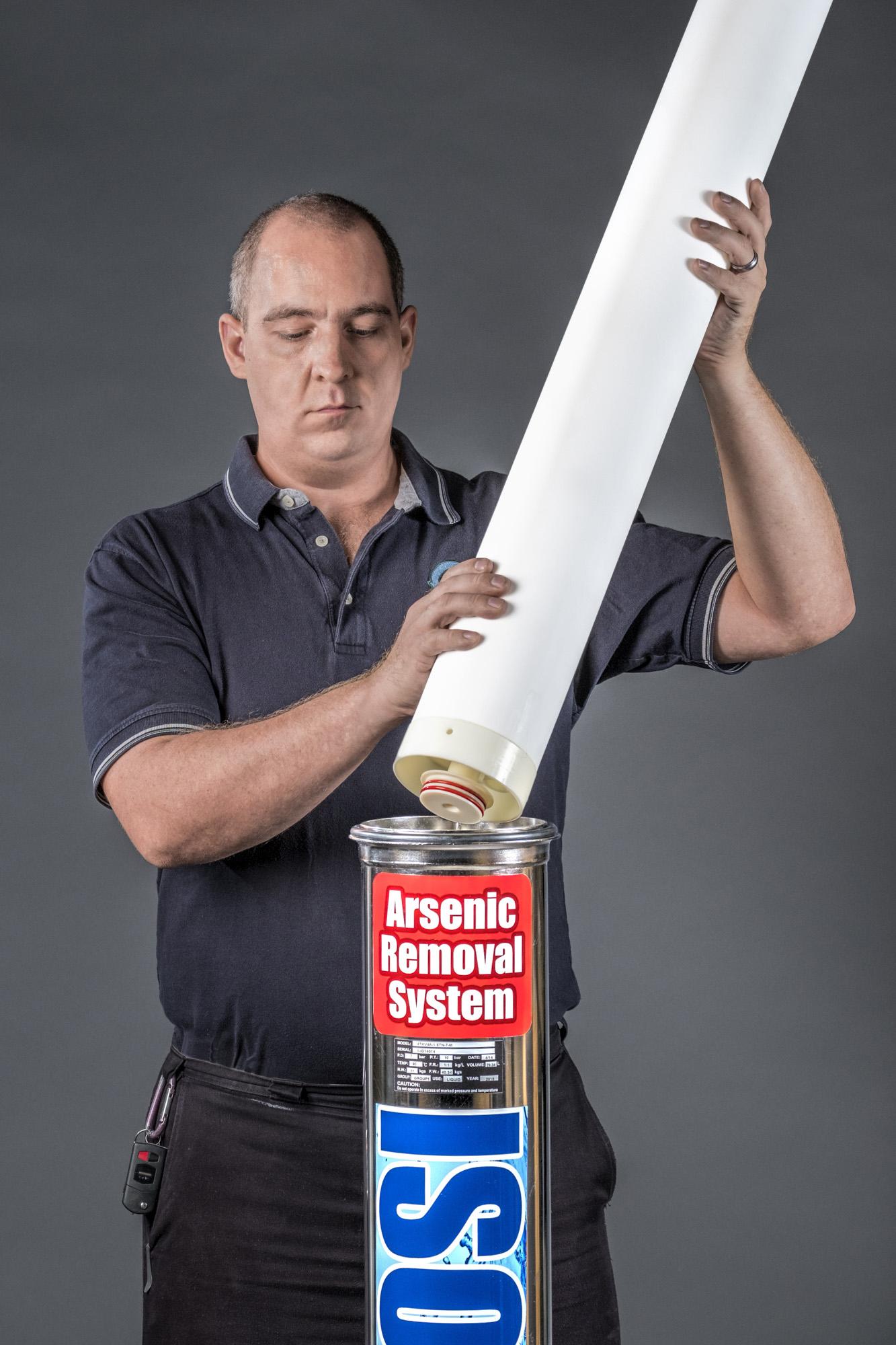 Man holding ISOLUX cartridge.jpg
