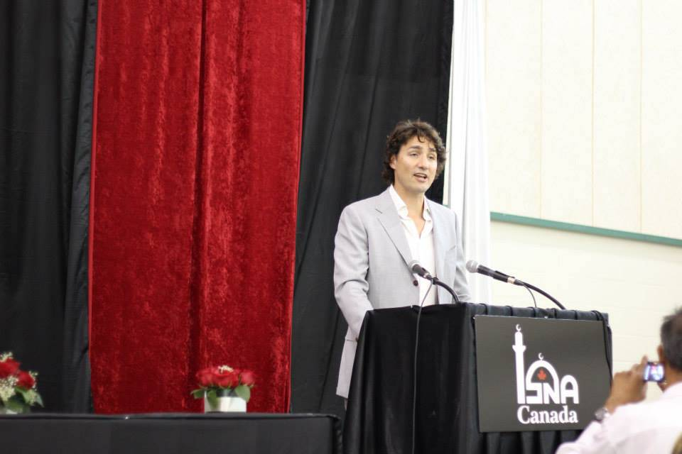 An image from a Facebook post by ISNA-Canada on Justin Trudeau's 2013 visit to the organization, when he was Liberal leader.