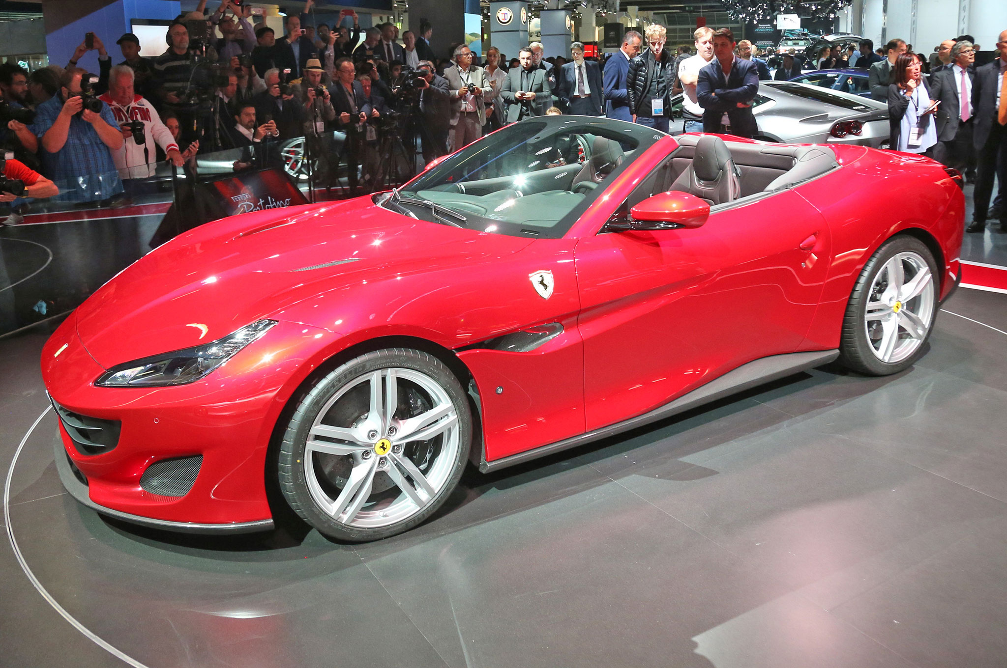 Ferrari-Portofino-in-Frankfurt-front-side-view.jpg