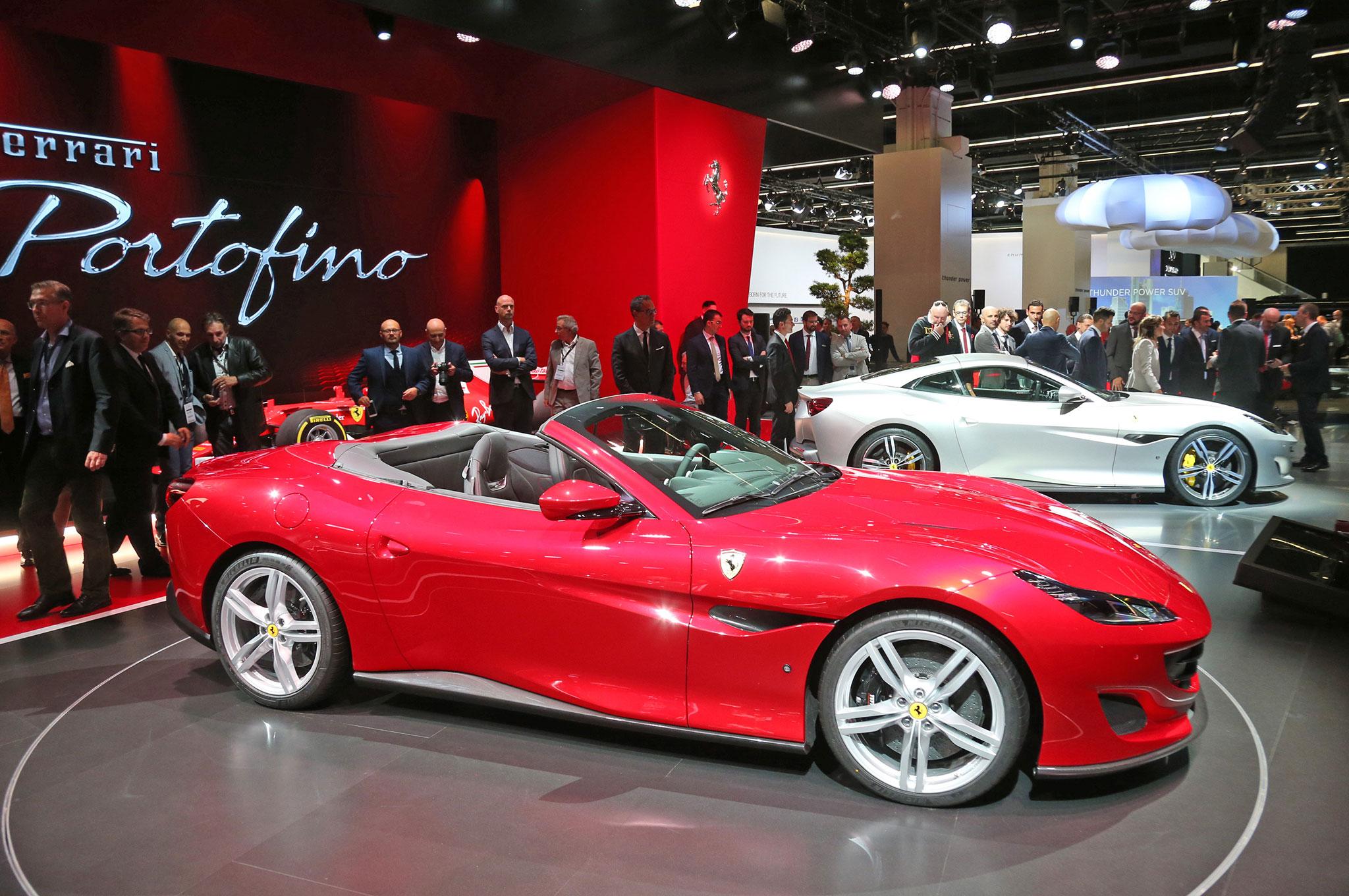 Ferrari-Portofino-in-Frankfurt-side-rear-view (1).jpg