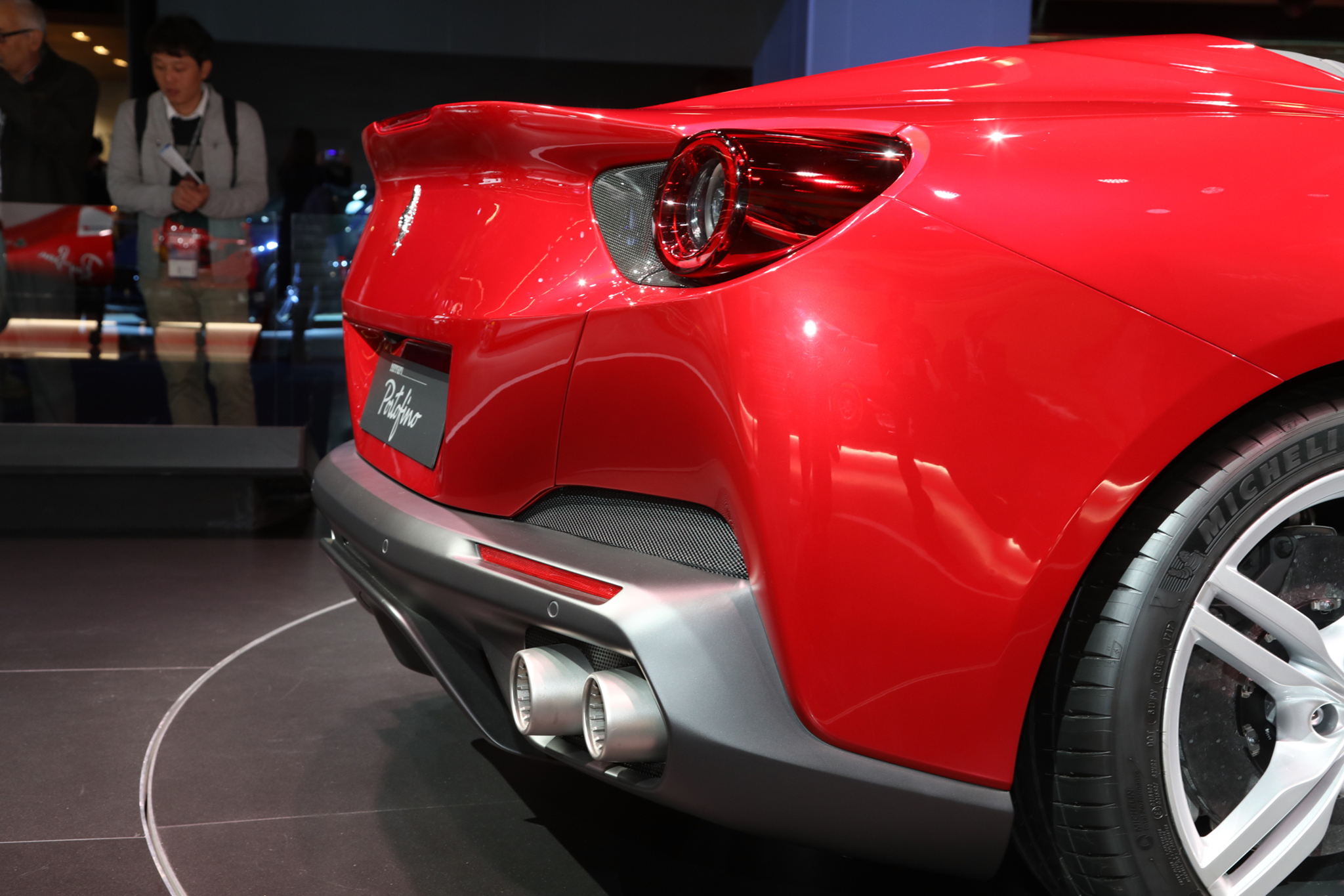 2019-Ferrari-Portofino-tail-light.jpg
