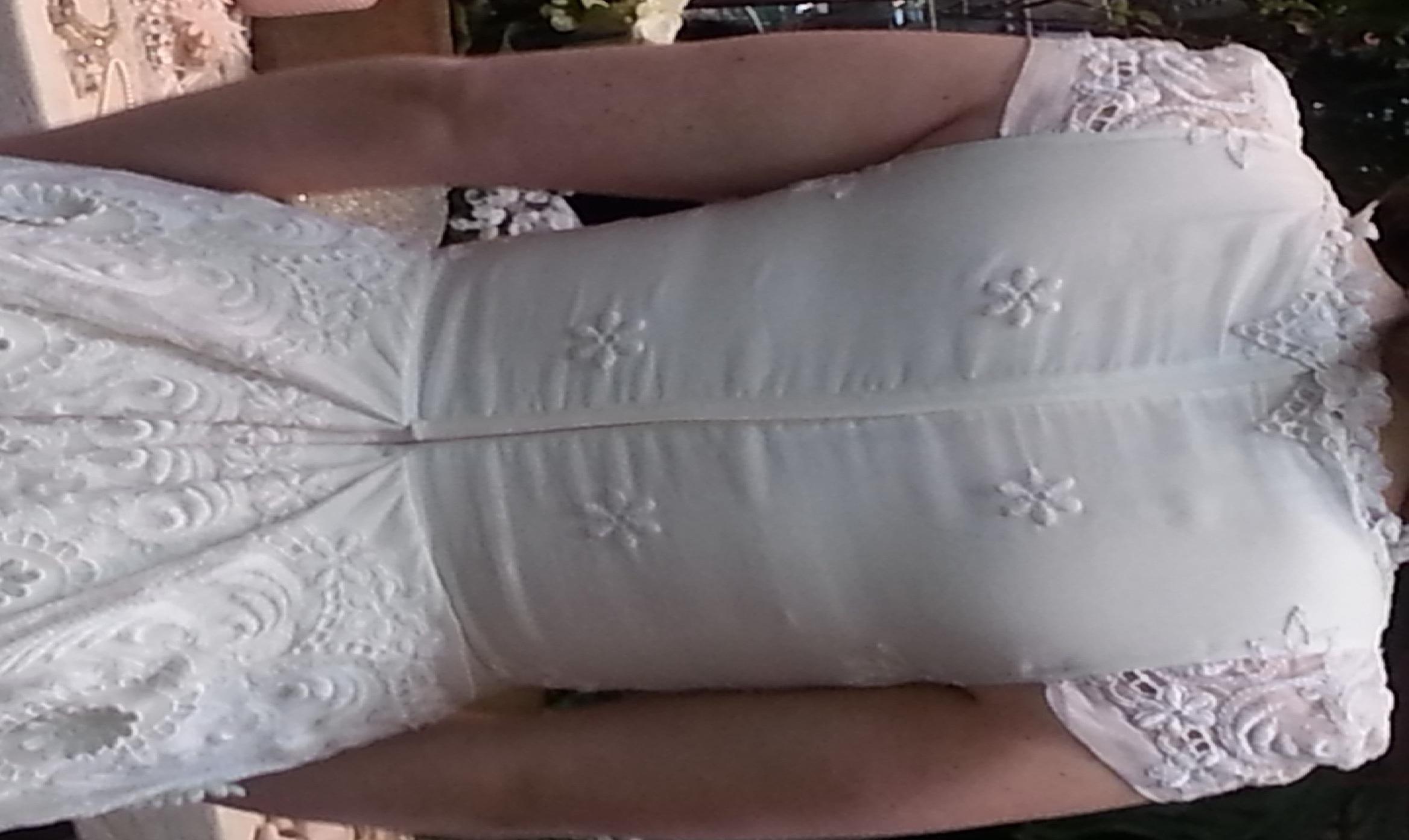 the dress b