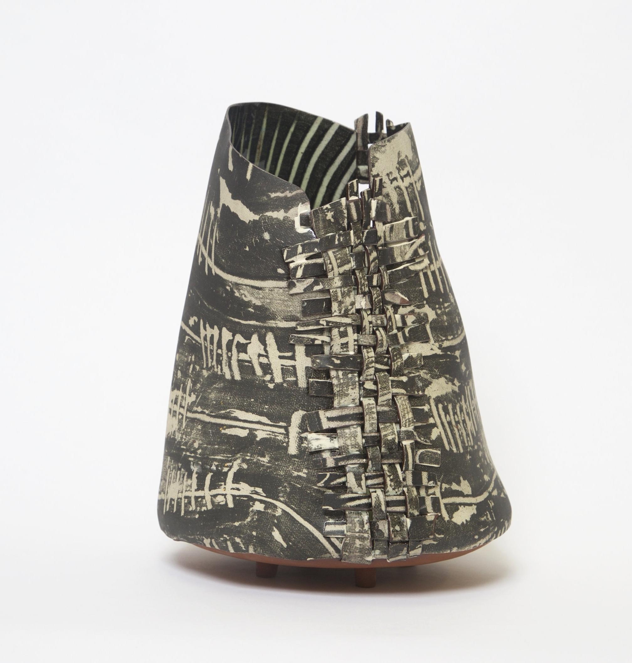Iyeo , 2017 Terracotta 31 x 23cm