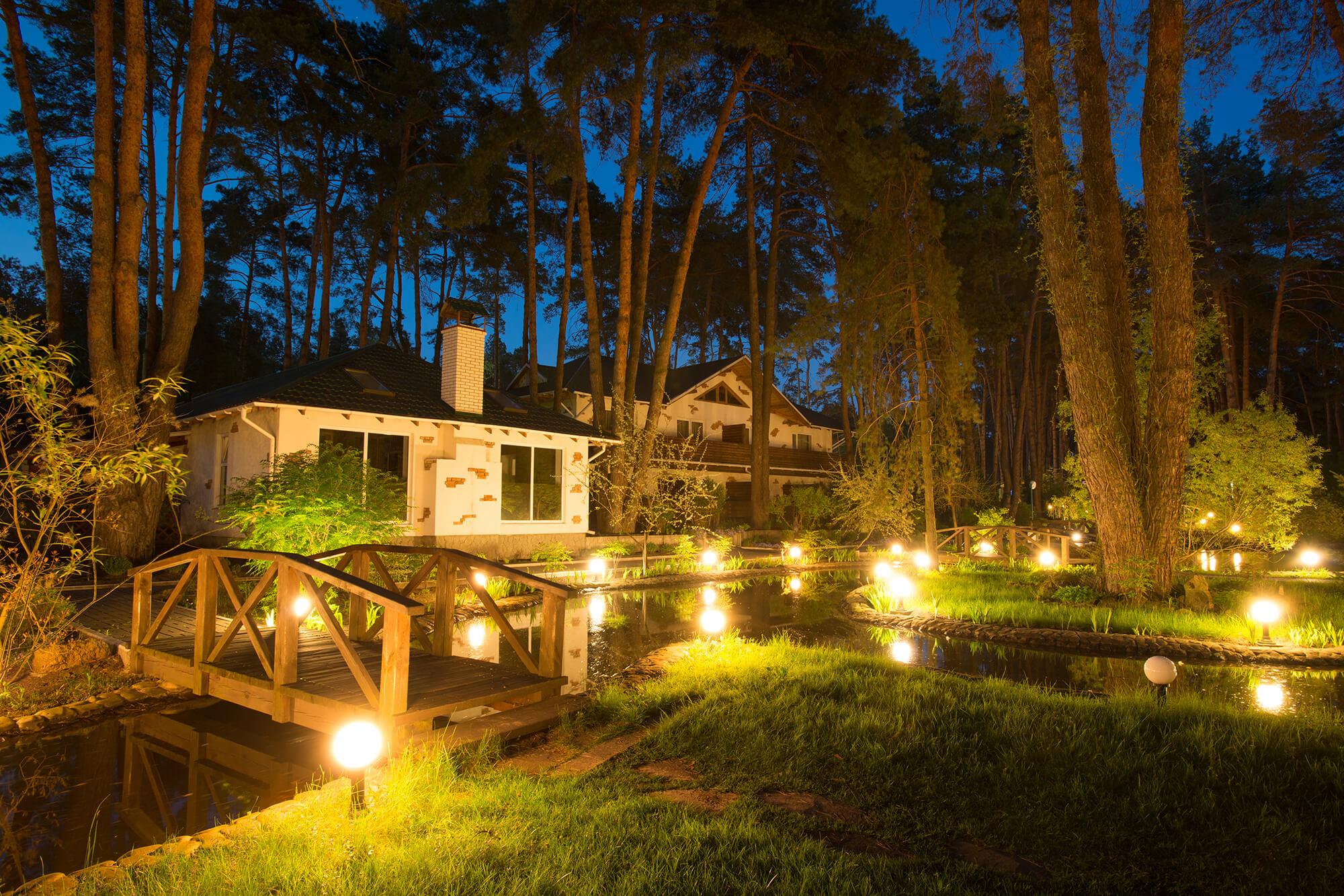 Artistic-Outdoor-Landscapes-Lighting-Installation.jpg