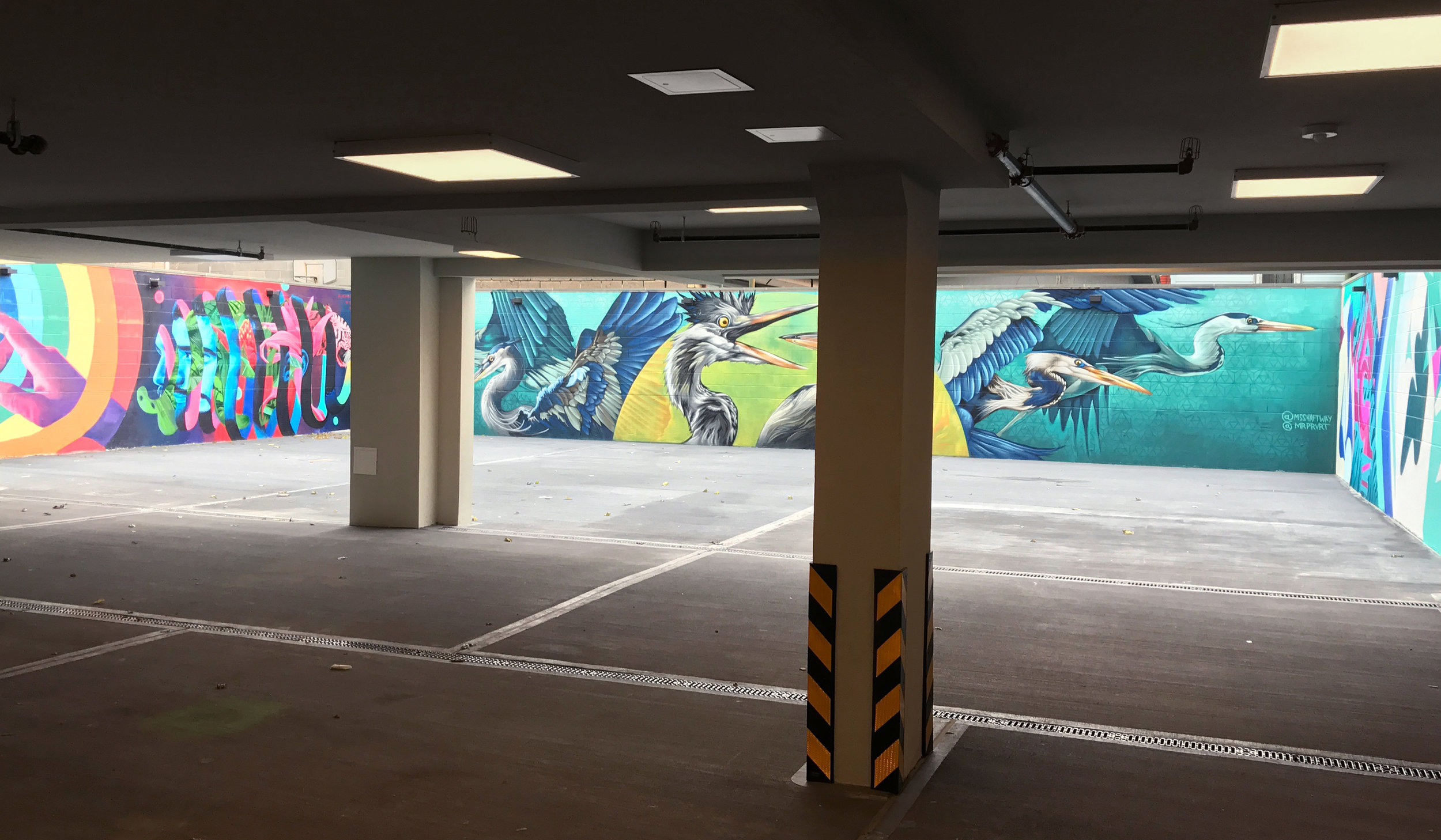 graffiti-house-parking2.jpg