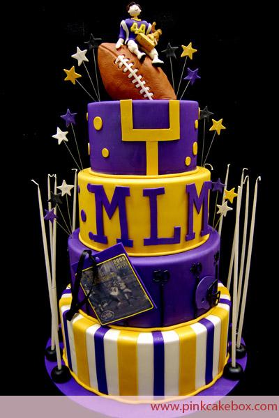 football-wedding-cake2.jpg