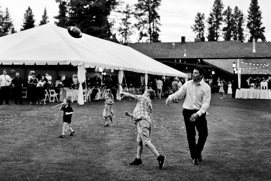Seattle_wedding_photography_Hayden_Lake_Country_Club_Cameron-14.jpg