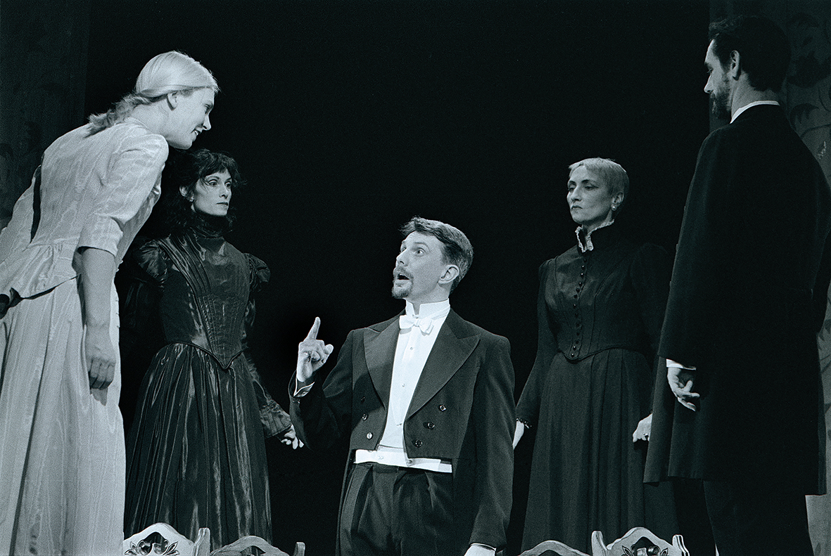 Sarah Chase, Martin Julien, Ross Manson, Claudia Moore and Kim Renders. Photography by John Lauener.