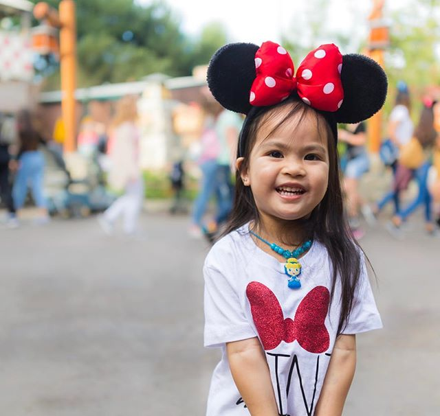 Our disney superstar of the week!  now thats a real natural smile! #nocandyneeded #notmykid #caniadopther #mamawentmia #photoshoottime #disneyland #disneycaliforniaadventure #travel #wanderlust #chill #potd #photooftheday