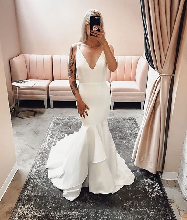 Shook level 9,000.  Viv's here, buckle up 😘 #sarahseven  Thanks for the snap @lovelybridedenver
