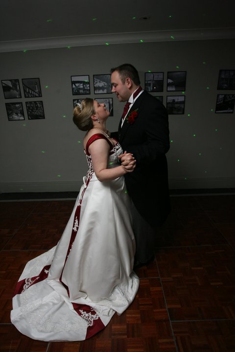 first dance as husband and wife © mebecomingmum