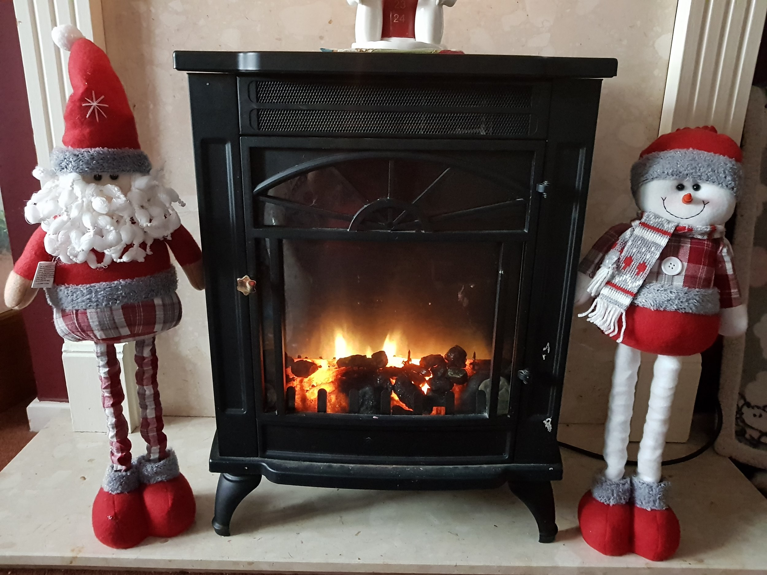 Extendable leg characters and fireplace