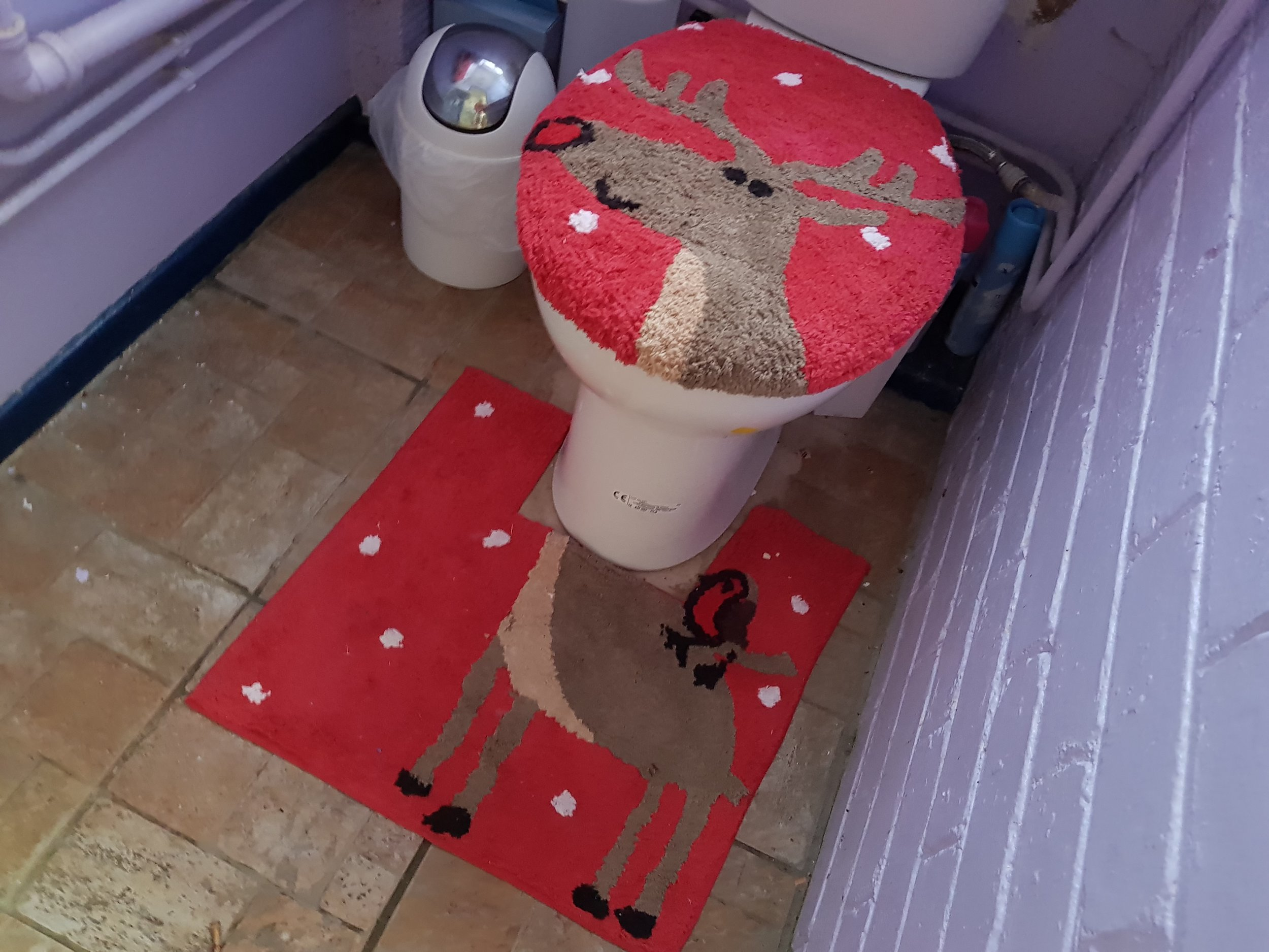 Reindeer toilet seat cover and pedestal mat