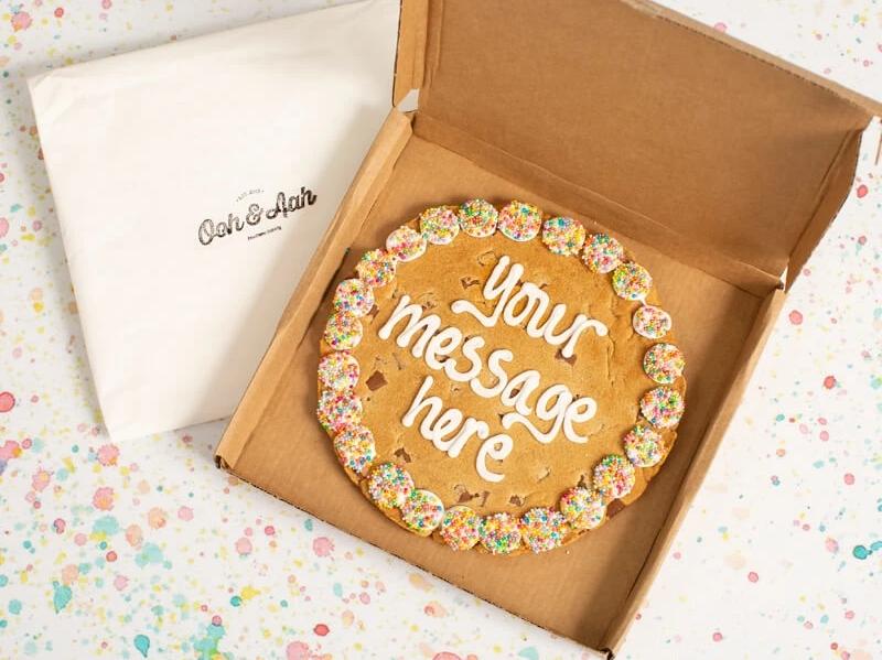 Prezzybox Ooh & Aah personalised cookie
