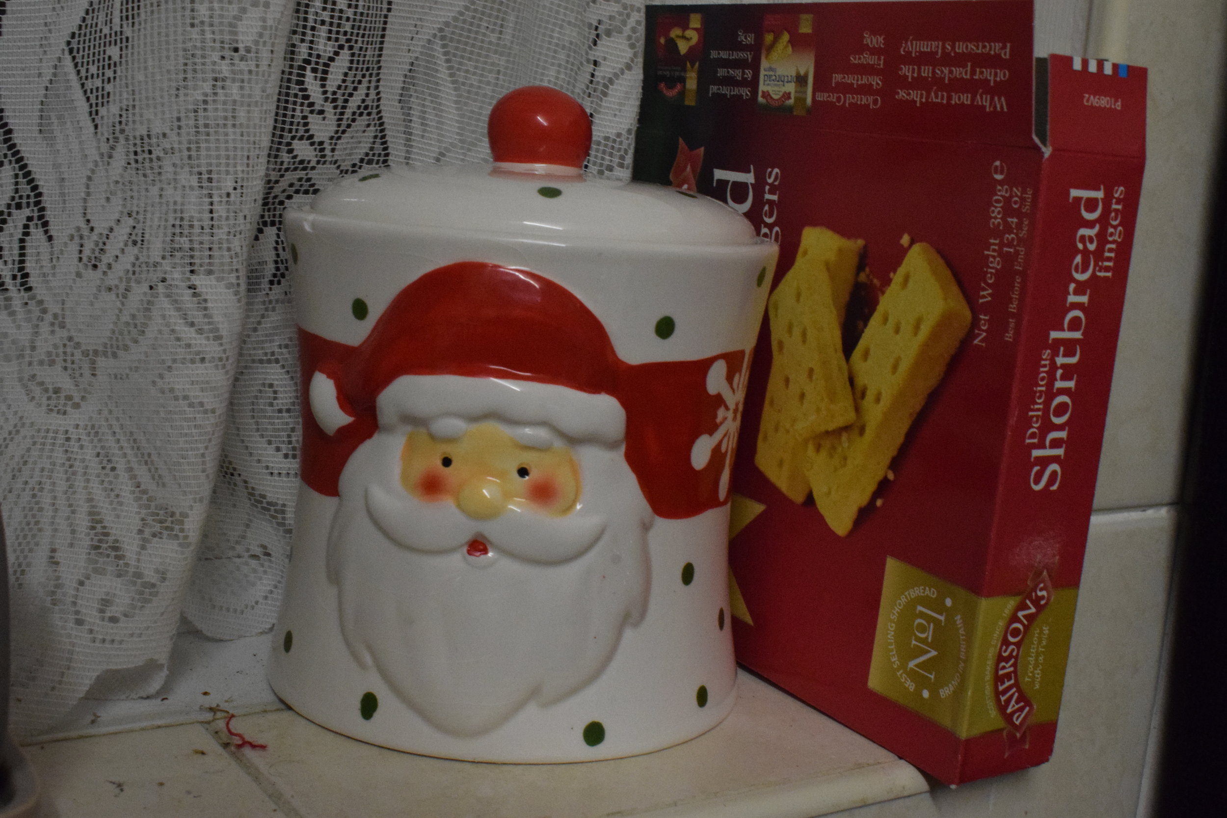 Christmas Santa biscuit tin