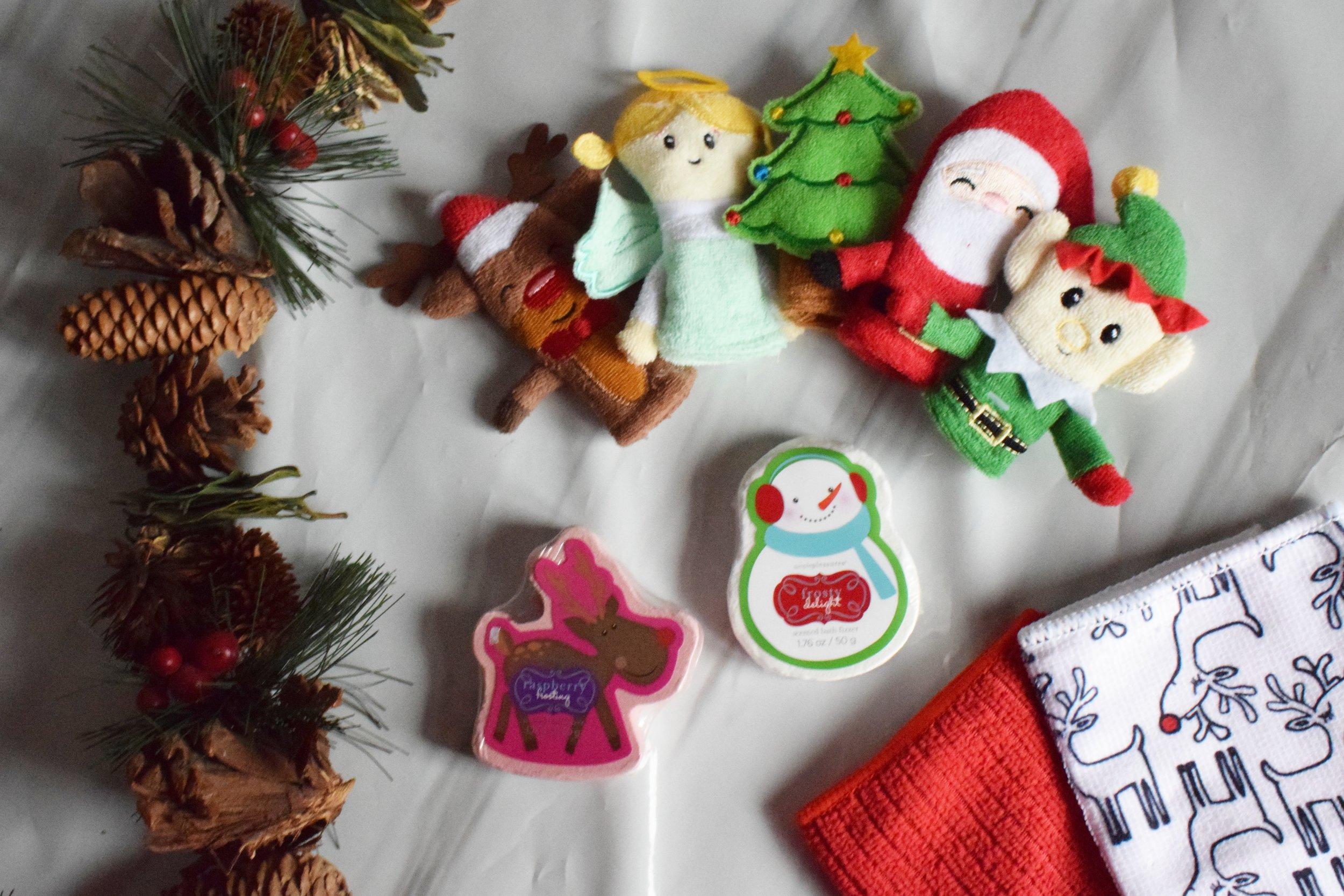 Christmas bath finger puppets, Christmas bath fizzers and Christmas wash cloths