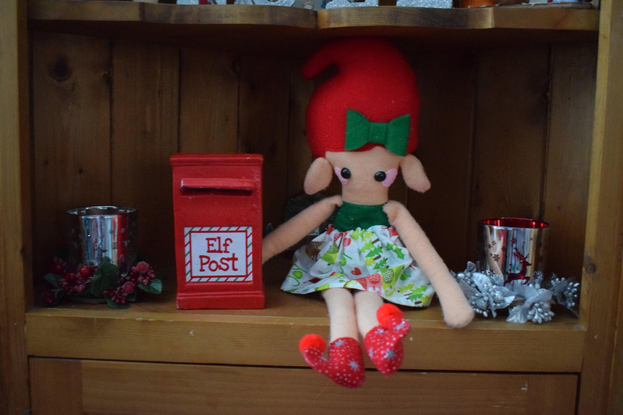 Elf on the Shelf elf post