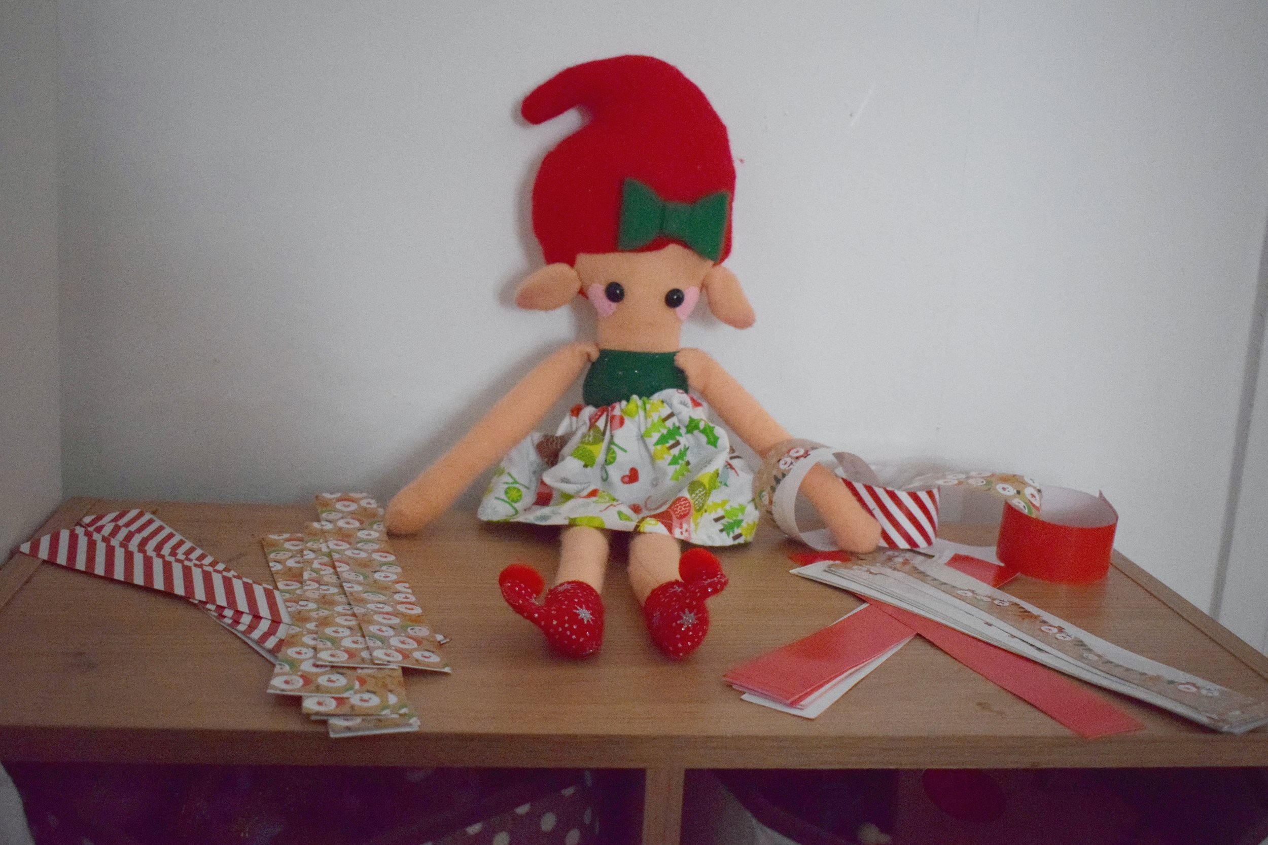 Elf on the Shelf paper chains